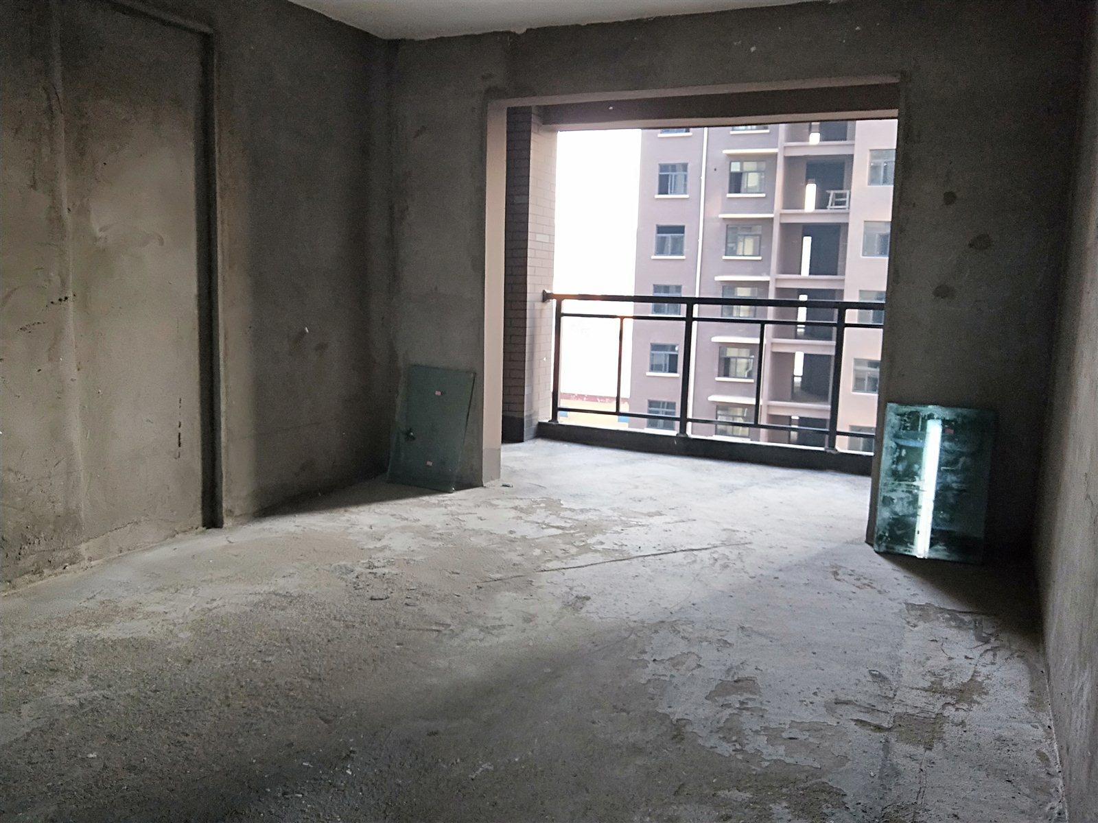 捡漏盛歌国际住宅 3室 2厅 2卫55万元
