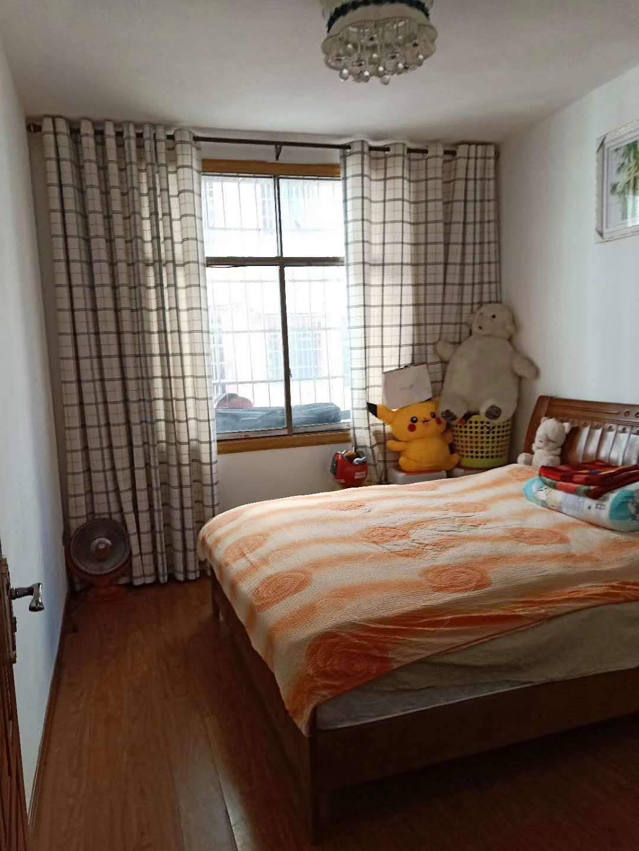 开阳六块卑潮水小区3室 2厅 精装关门21.8万元