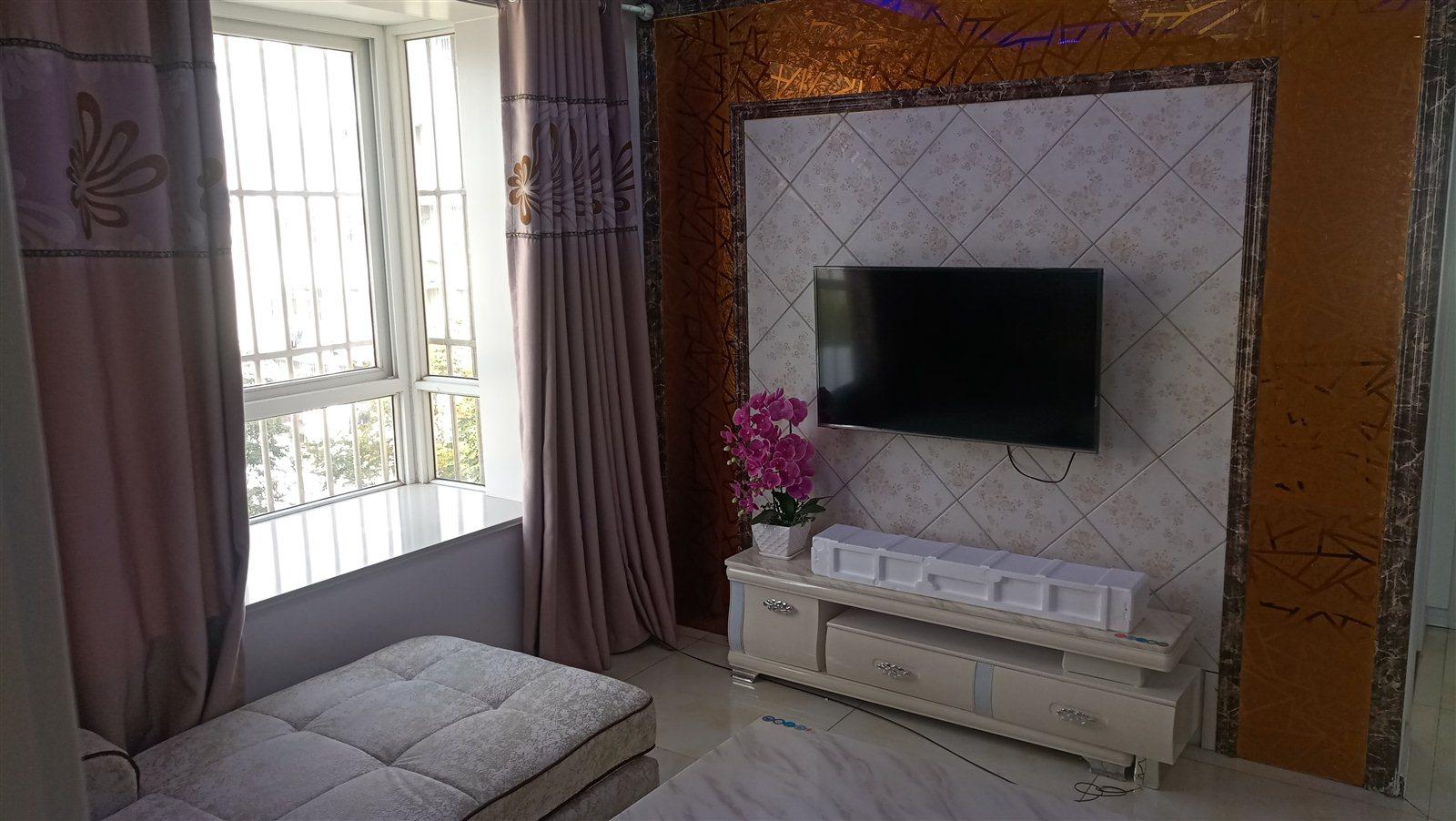 韩侯花园3室 2厅 1卫83.5万元