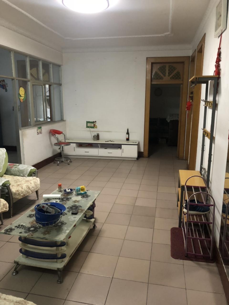 化肥厂家属院4室 2厅 1卫