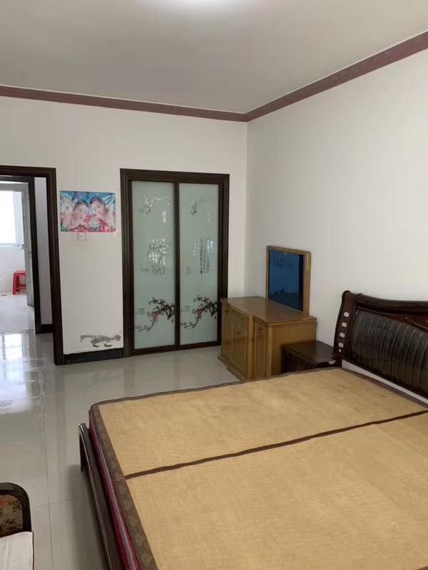 新世紀花園步梯復式樓176平方6室3廳1廚2衛