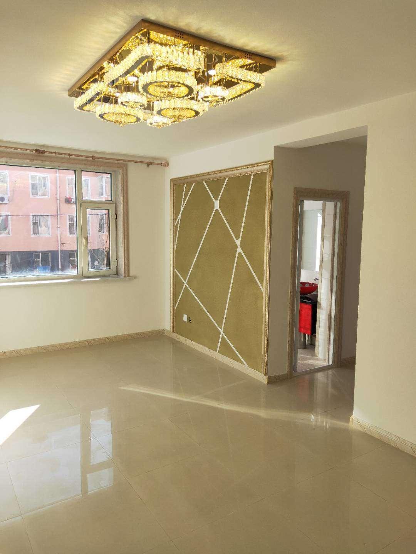 三中学区 阳光家园B区1室 1厅 1卫22.8万元