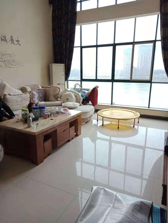 阳光水岸5室 3厅 3卫115万元