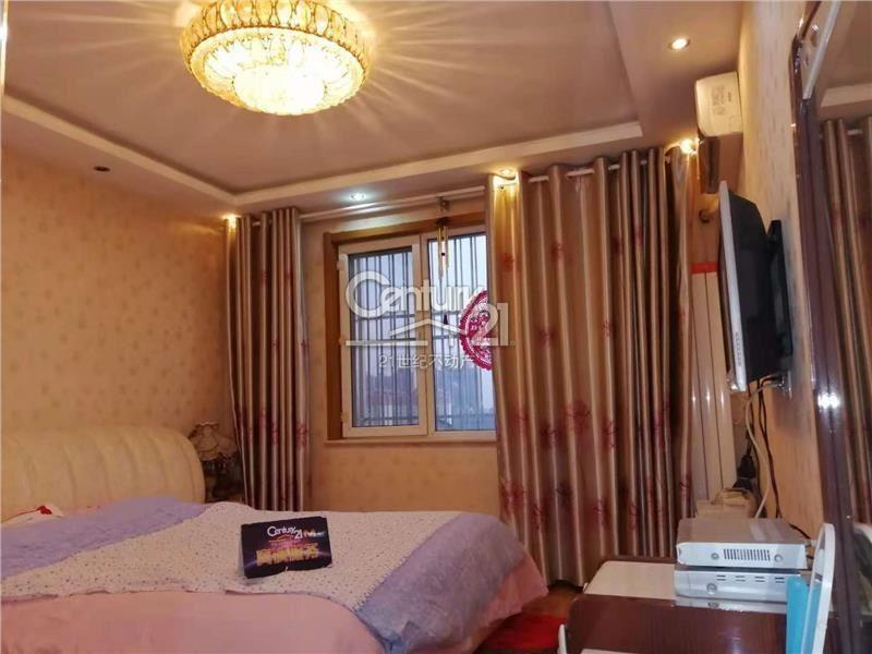 优质房源金地小区3室 2厅 2卫160万元