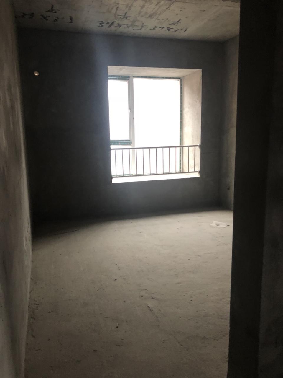 西南网贸港2室 2厅 1卫40万元
