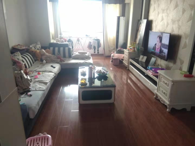 精装大三室赠送大阳台和家电家具临近长江大道学府灏景