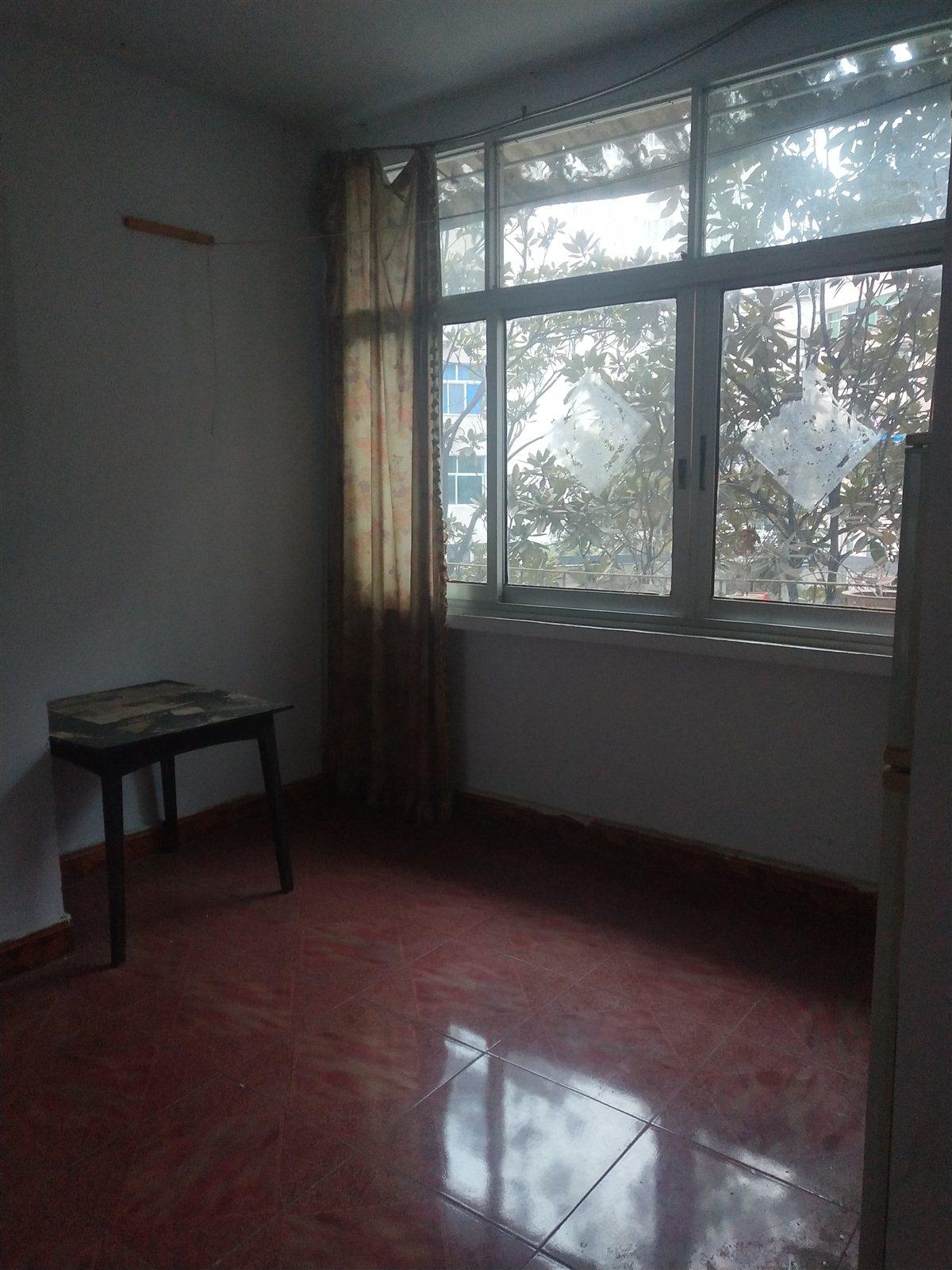 林业局家属院2室 2厅 1卫38.8万元
