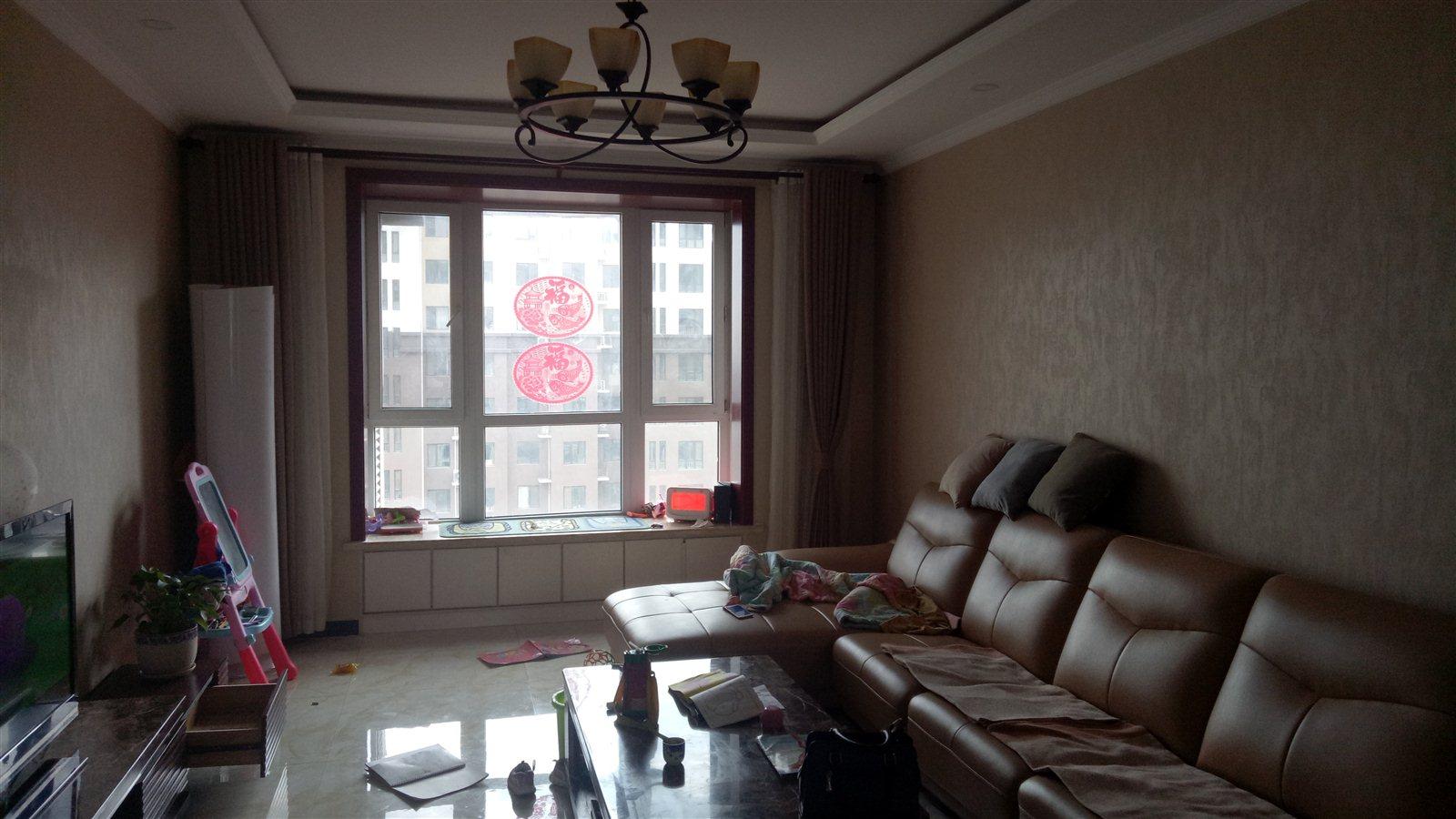 西苑华庭3室 2厅 1卫128万元