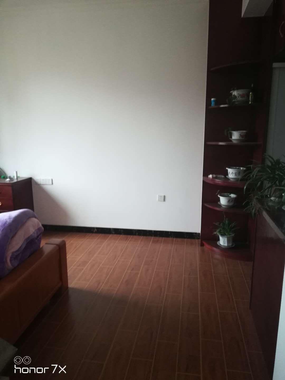 半山豪庭小區3室 2廳 2衛120萬元
