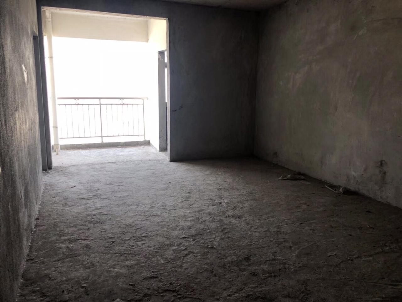 龙凤夏威夷3室 2厅 2卫62.8万元