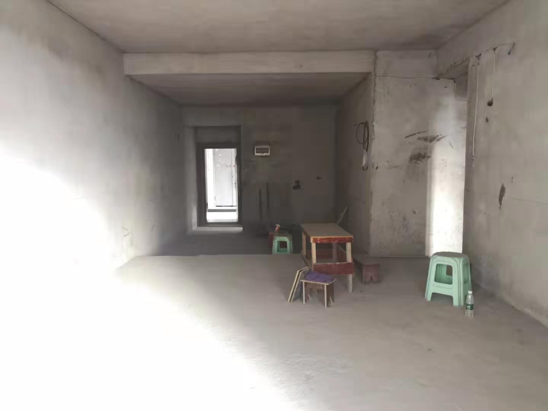 香江豪园清水大3室 双阳台142平55万元