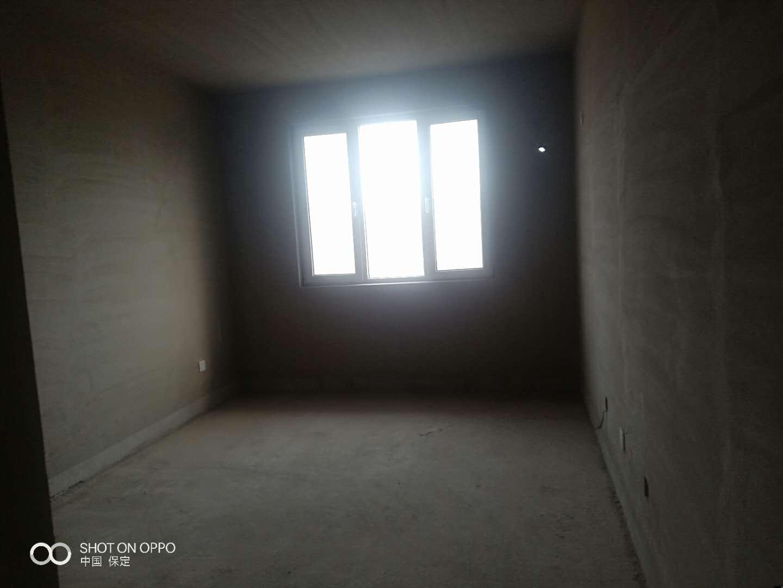 豪景新城3室 2廳 2衛115萬元