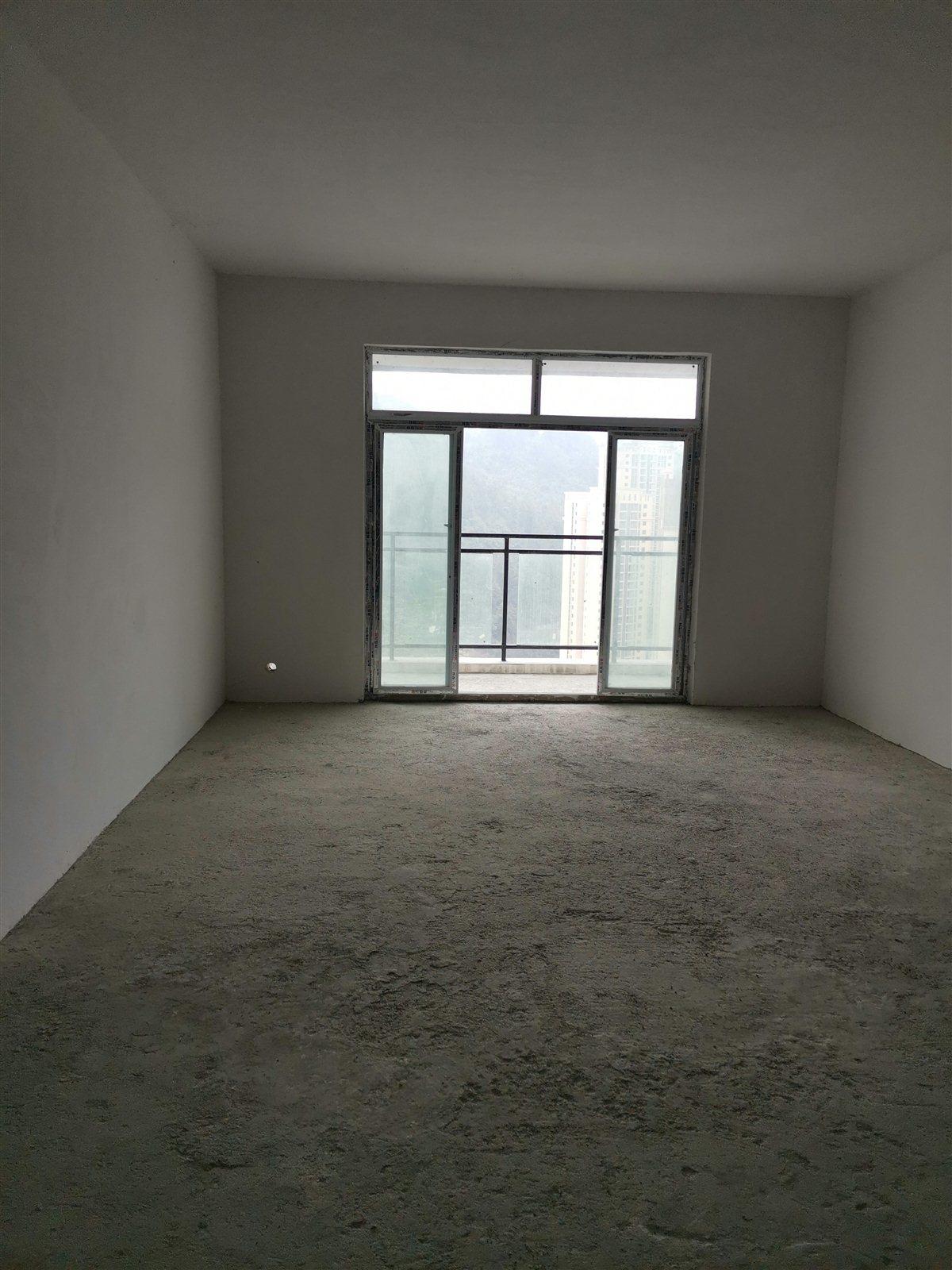 酉州麗都3室 1廳 1衛49.3萬元
