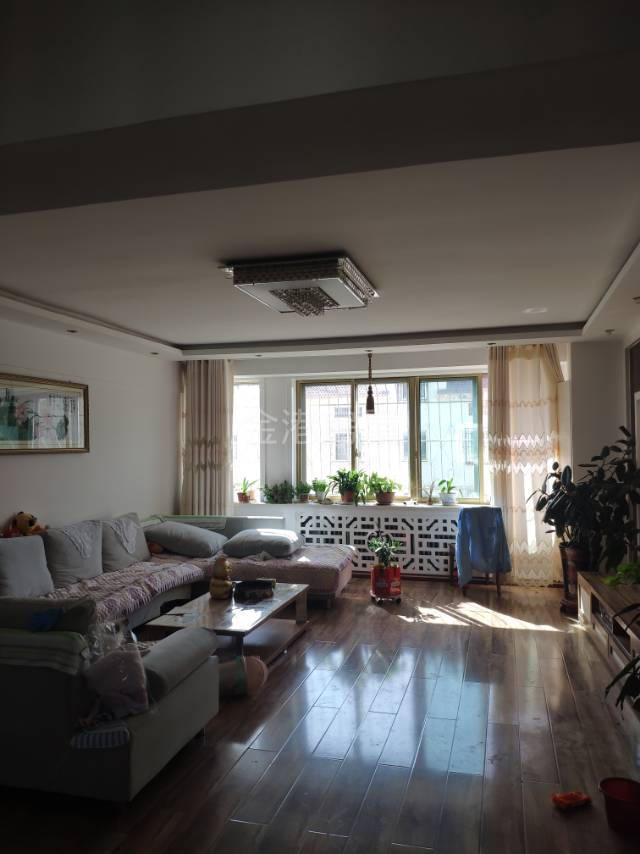 紫轩一期4室 2厅 1卫62万元