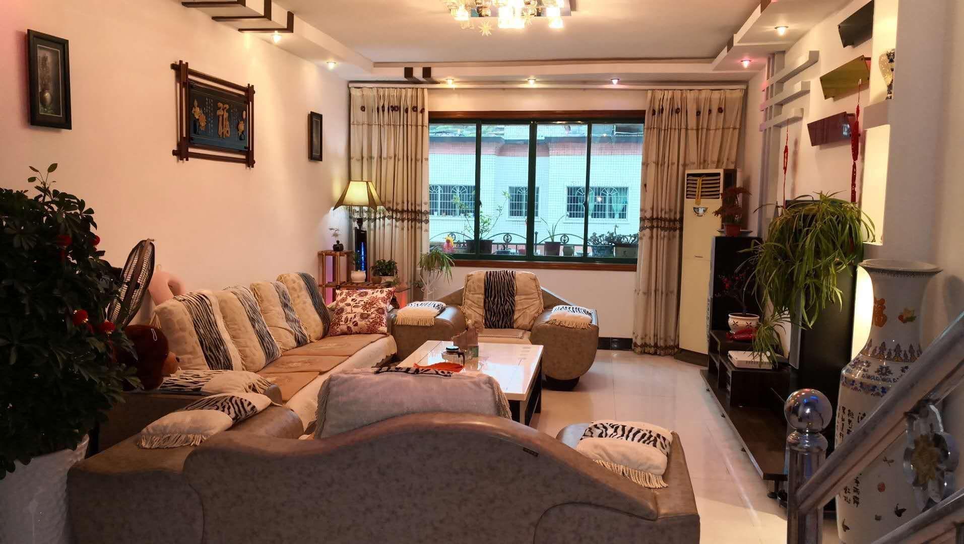 紫江花园3室 1厅 1卫76.8万元