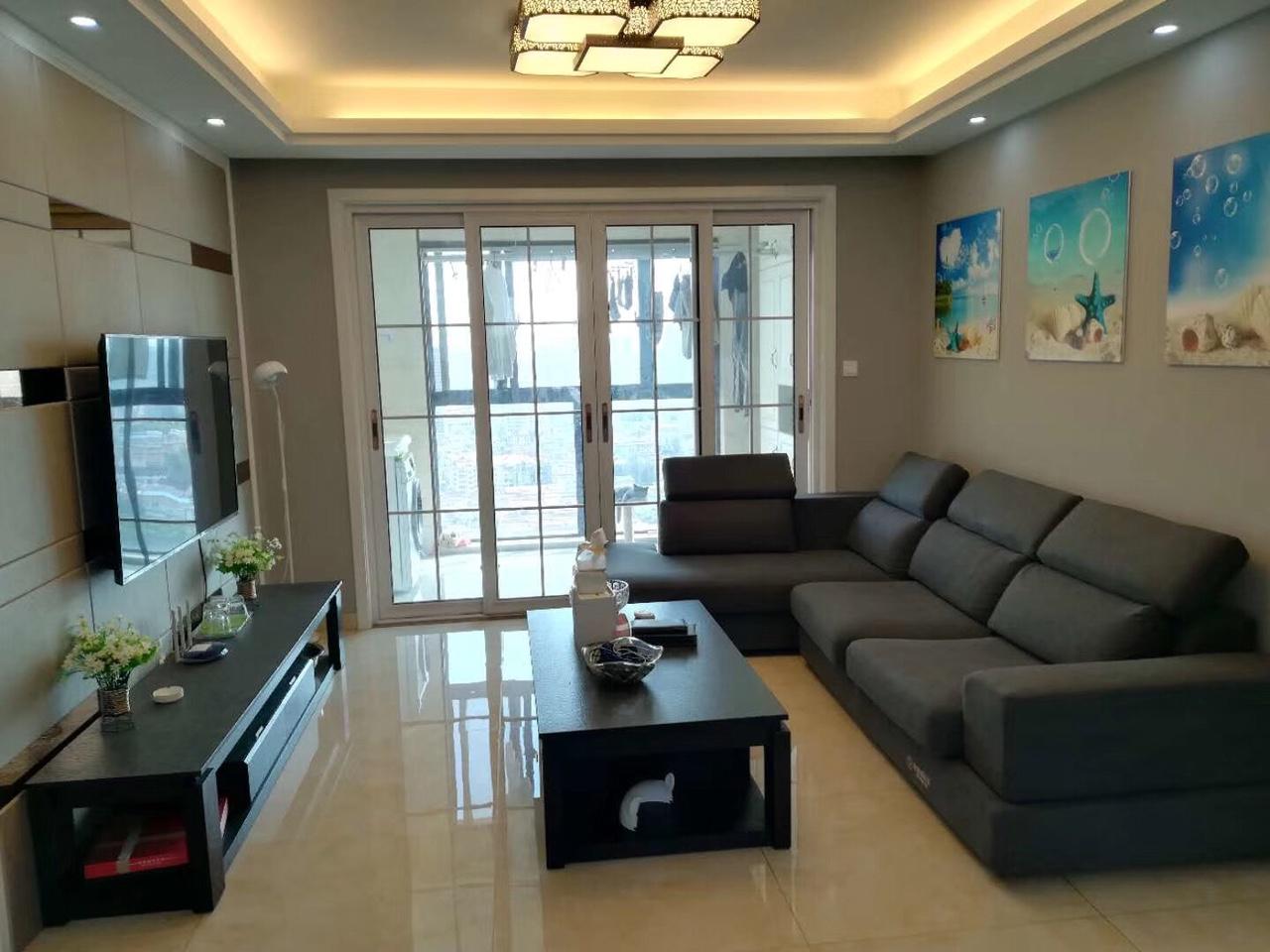 雨润广场 精装3室2厅129平含车位150万元