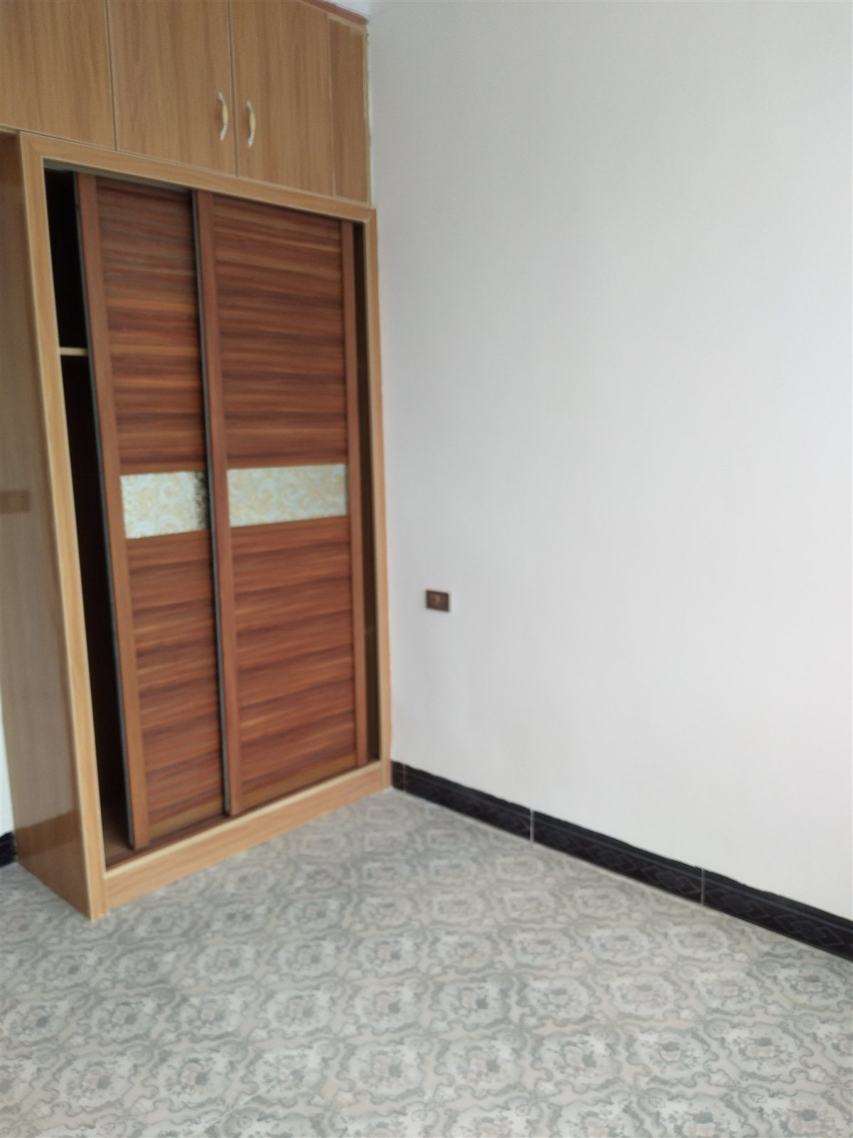 大坪子3室 1厅 1卫25.8万元