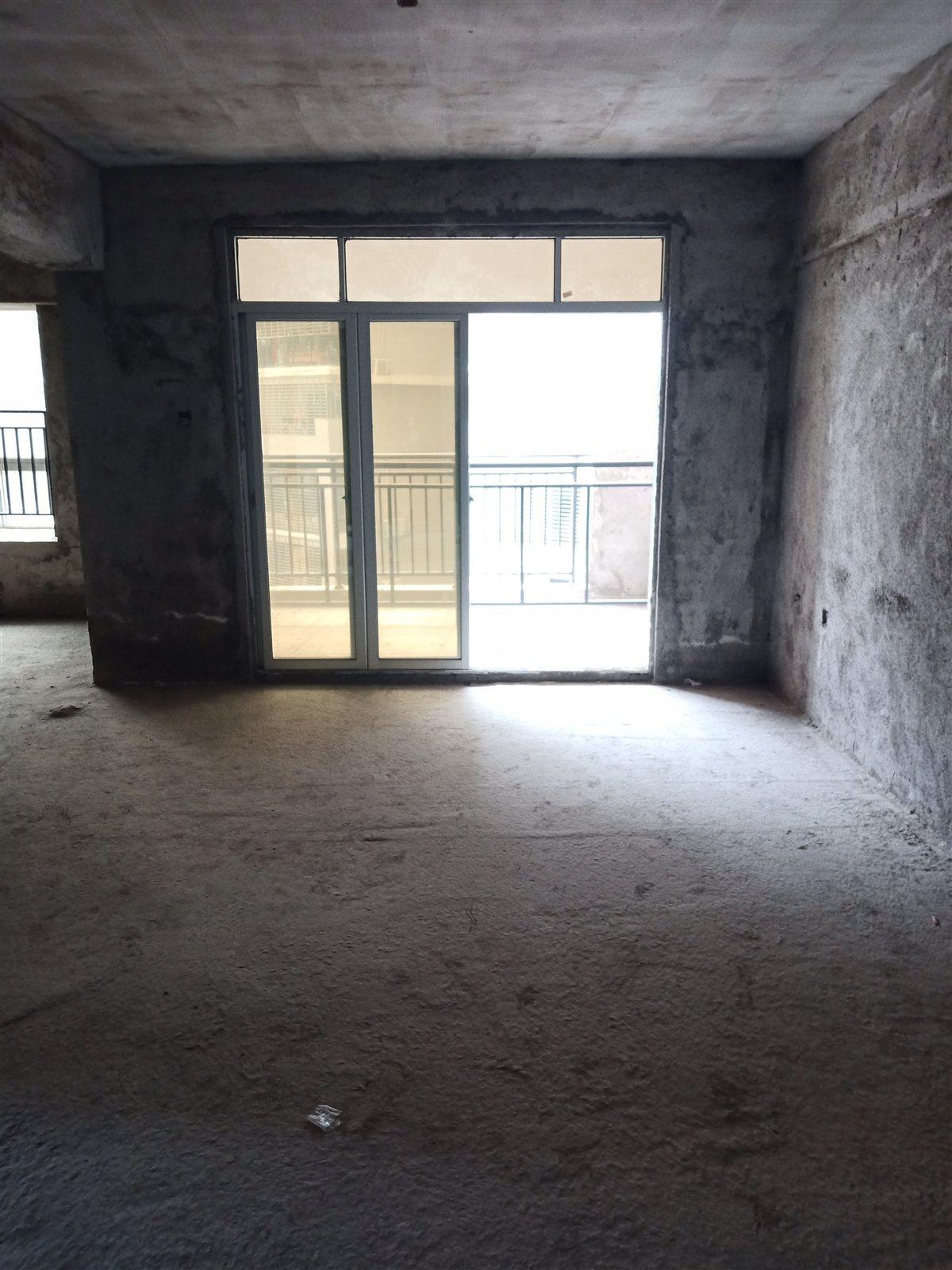 学府名门3室 2厅 2卫80万元