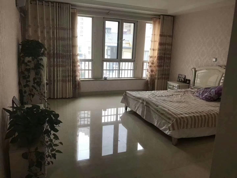 华东尚城4室 3厅 2卫260万元