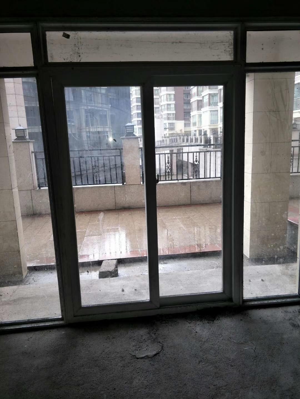 青合景程对面开元盛世3楼133大户型出售