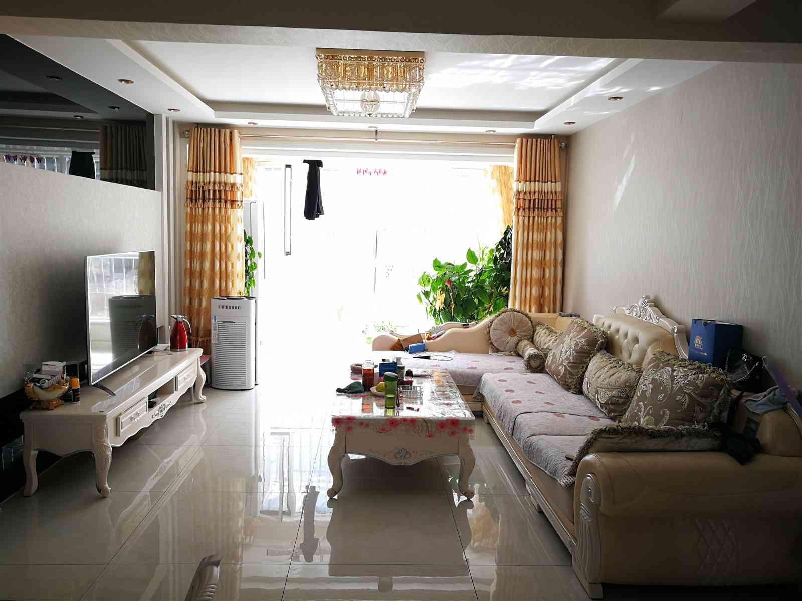 大河锦绣城3室 2厅 1卫55万元