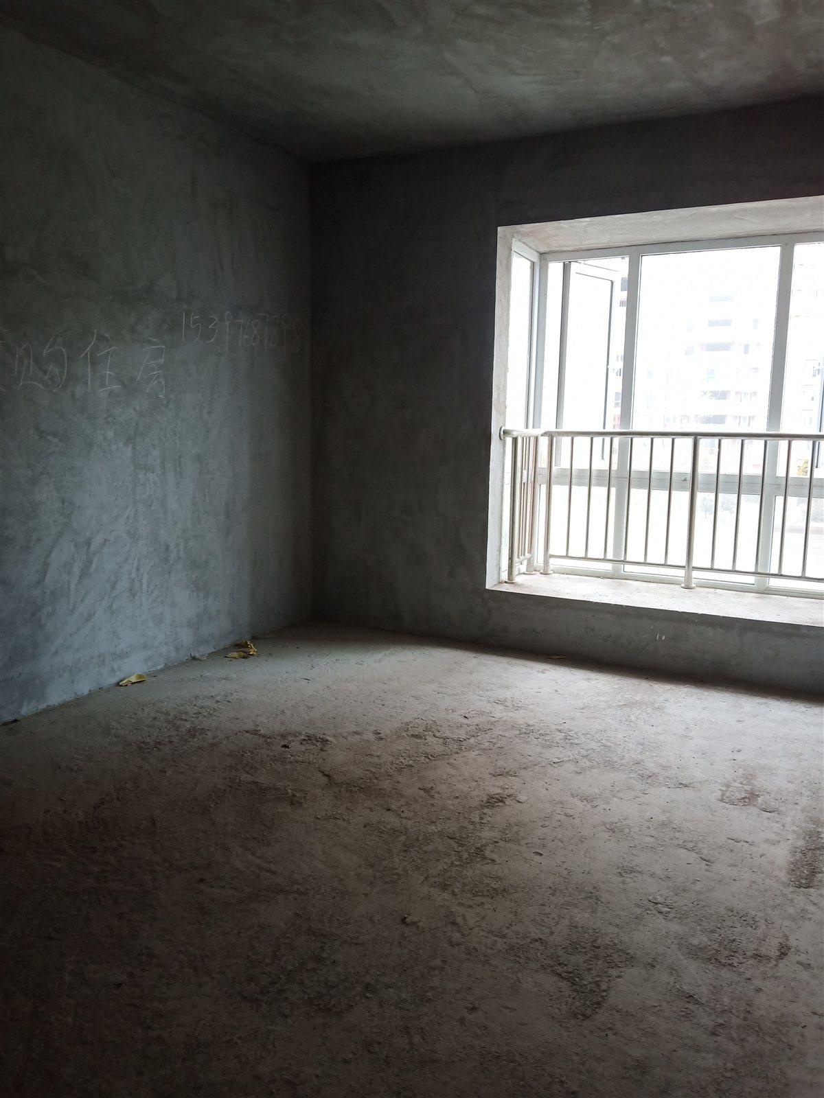 国酒城楼王4室 2厅 2卫131.4万元