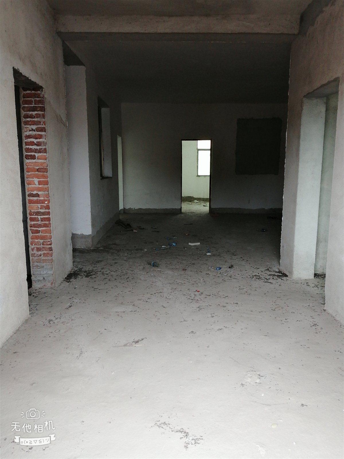 沿河路3室 2厅 2卫68万元送12平杂间