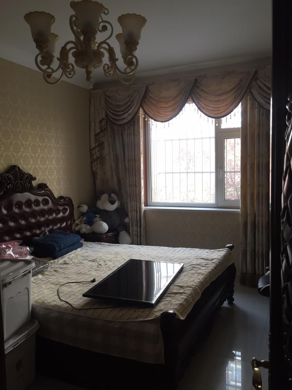 翡翠园小区3室 2厅 2卫120万元