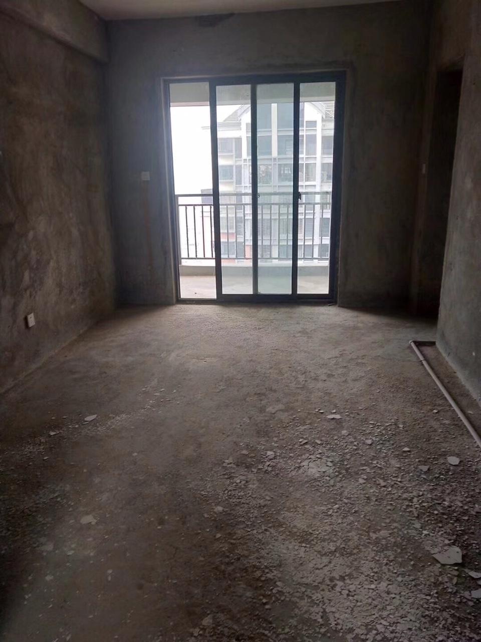 凤山学府2室 1厅 1卫118万元