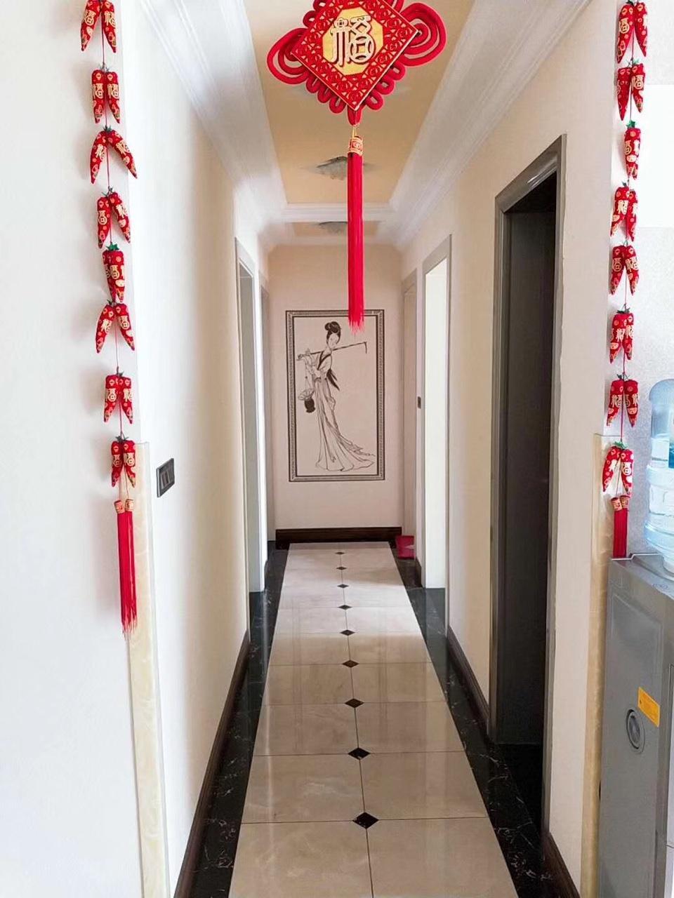 澎湖花园精装4室 2厅 2卫90万元