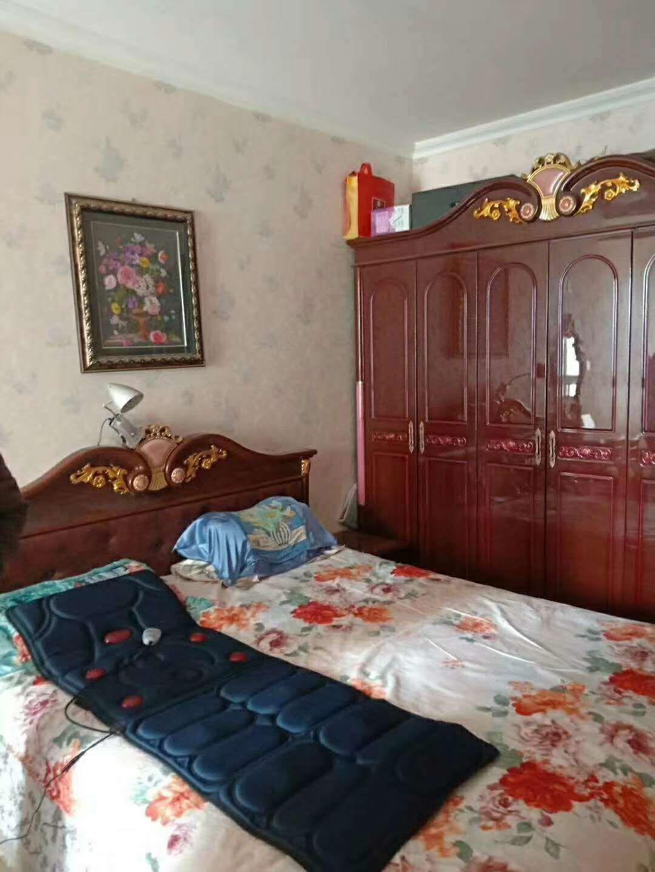 格林印象3室2厅精装带储藏间68万
