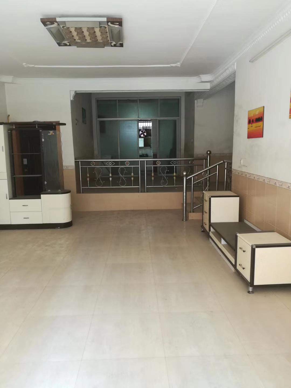 景秀公寓小区4室 2厅 2卫55万元