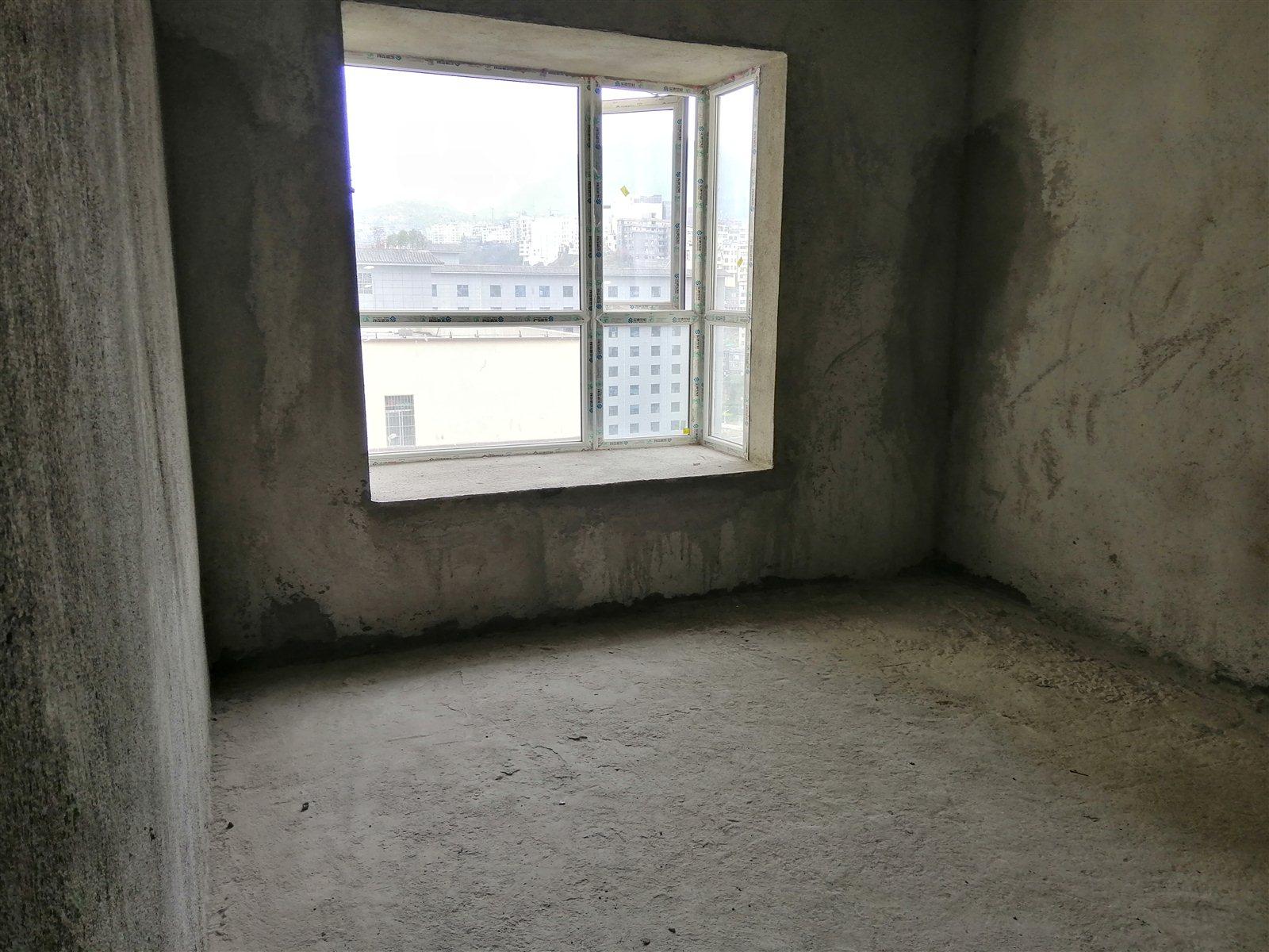 开元盛世对面青合锦城超低价65.72万元