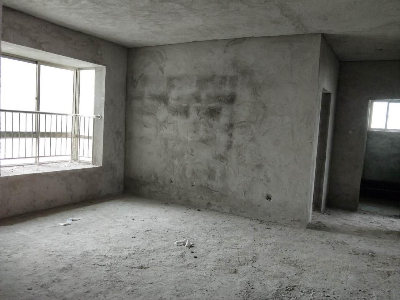 永安公务员小区3室 2厅 2卫88万元