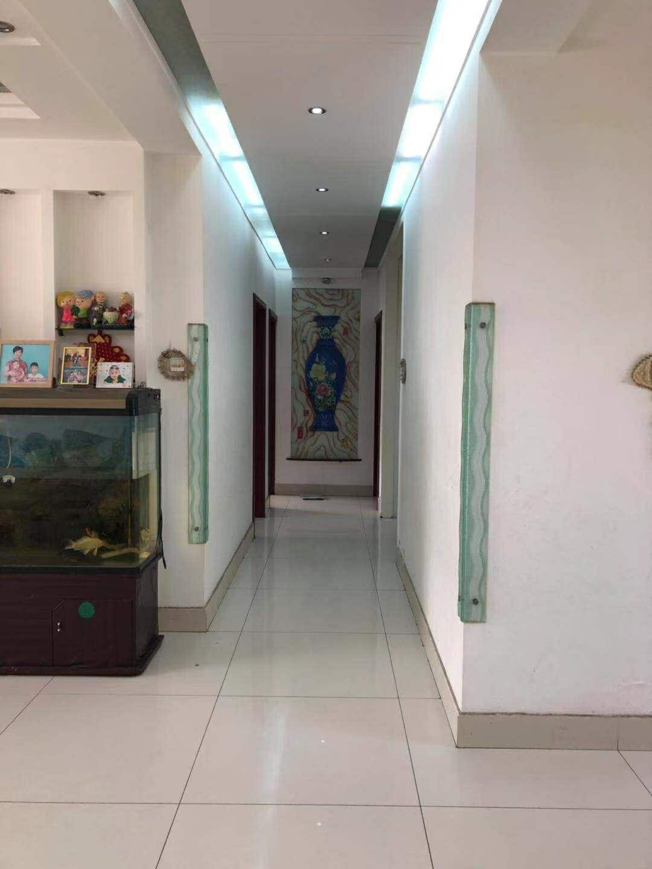 惠泽园小区3室 2厅 1卫140平122万元