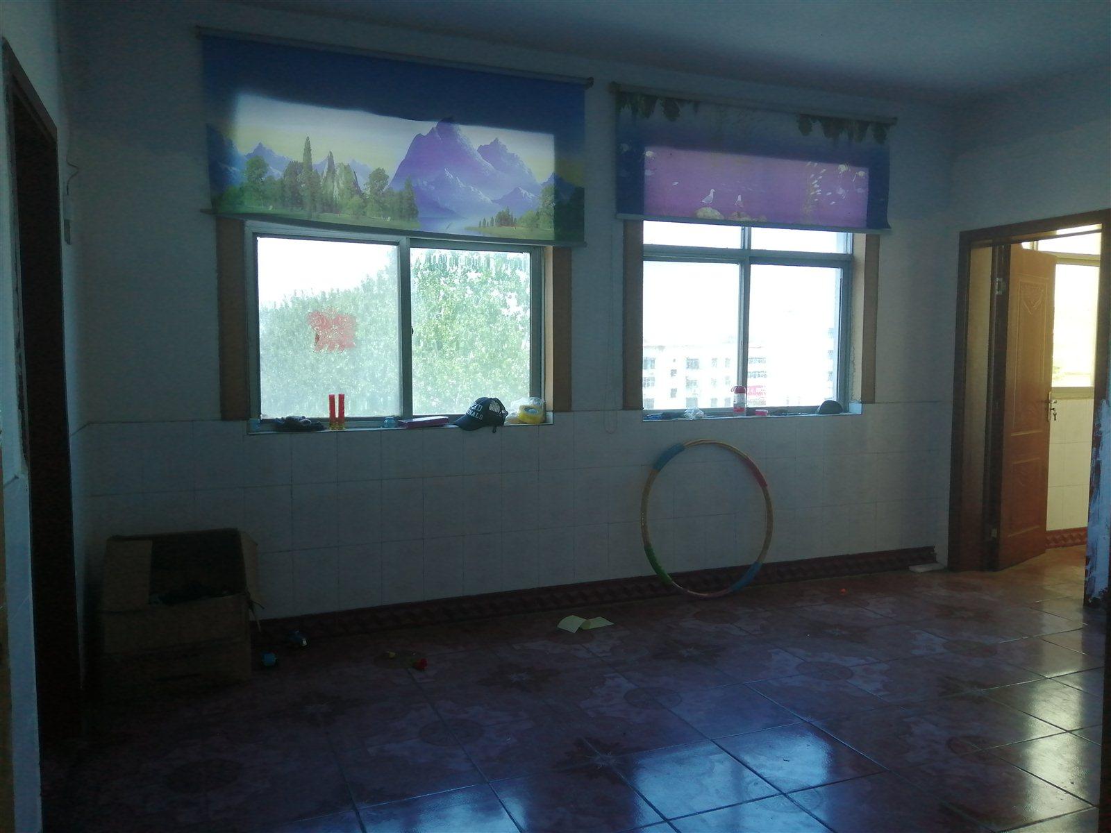 三小家属院2室 1厅 1卫11.5万元