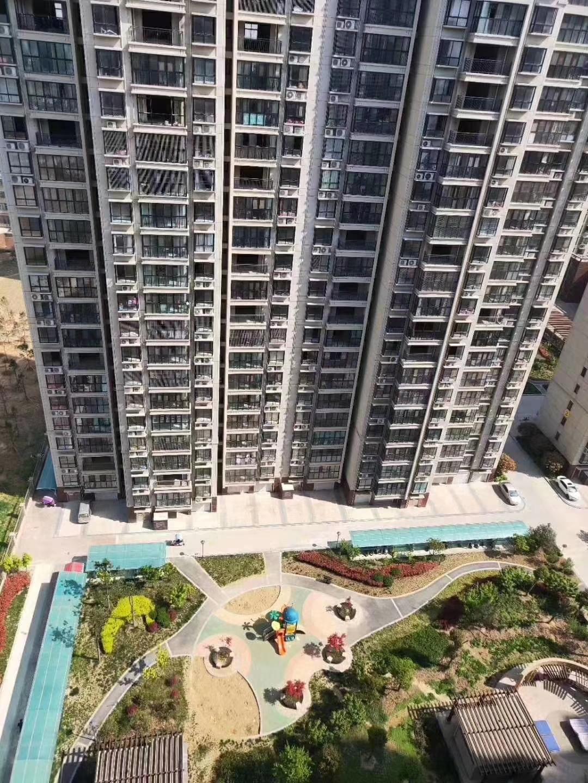 幸福花园高楼层2室 2厅 1卫55万元