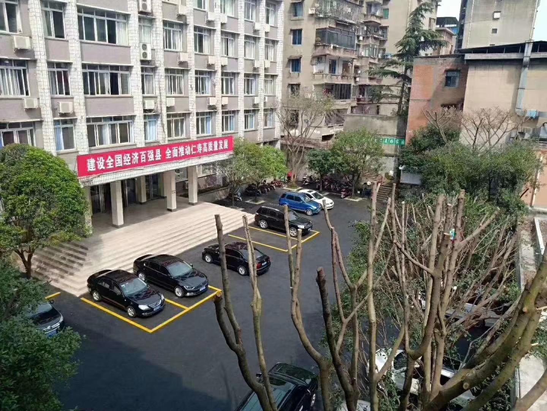 县政府精装4楼可按揭3室 2厅 1卫45.6万元