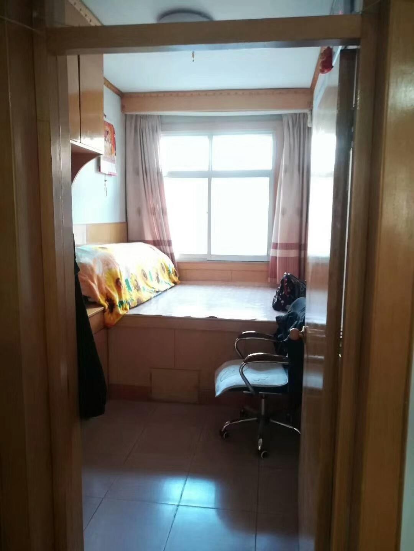 店泊小区3室 2厅 1卫48万元