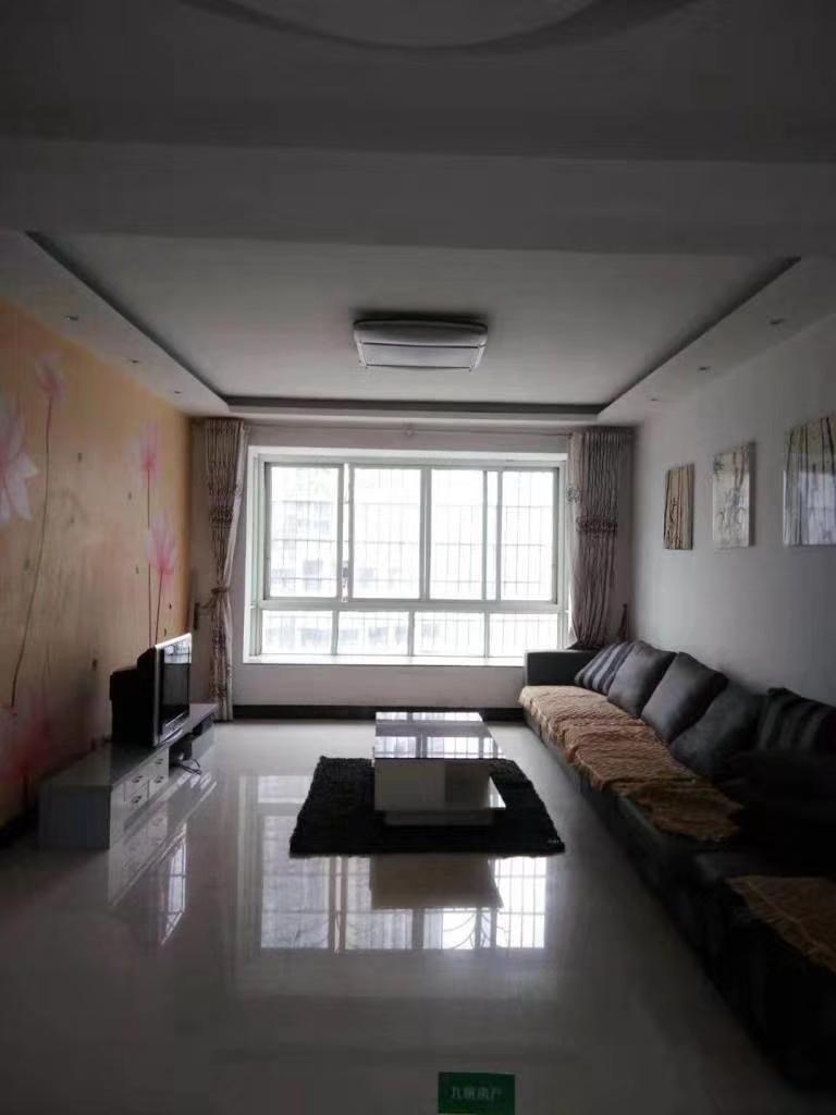 家属院3室 2厅 2卫43.8万元
