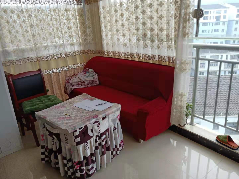 时代广场3室 2厅 2卫79.8万元精装修带家具家
