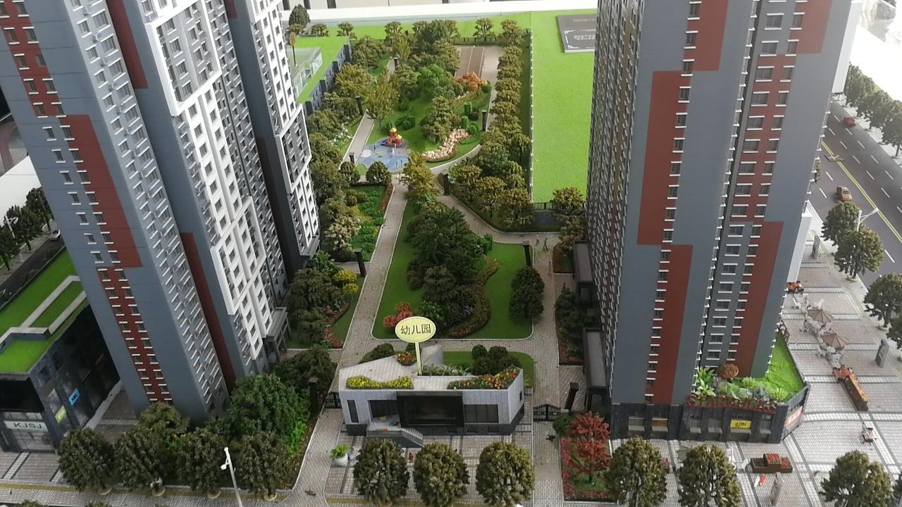 清华大学幼儿园旁门口公交站 自带幼儿园 近彬州二中