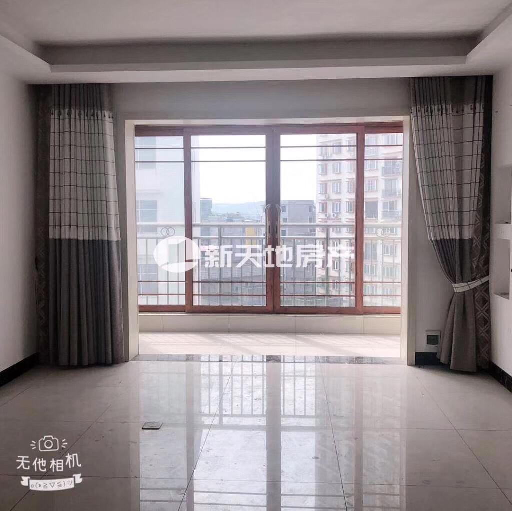盛世广场小区3室 2厅 2卫58万元