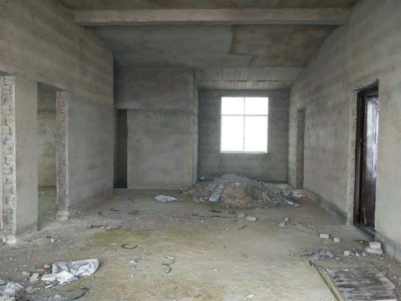 潮水小区4室 1厅 1卫11.8万元