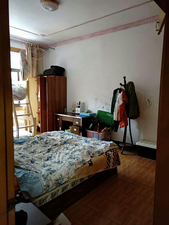 青西菜场附近3室 2厅 1卫47.8万元