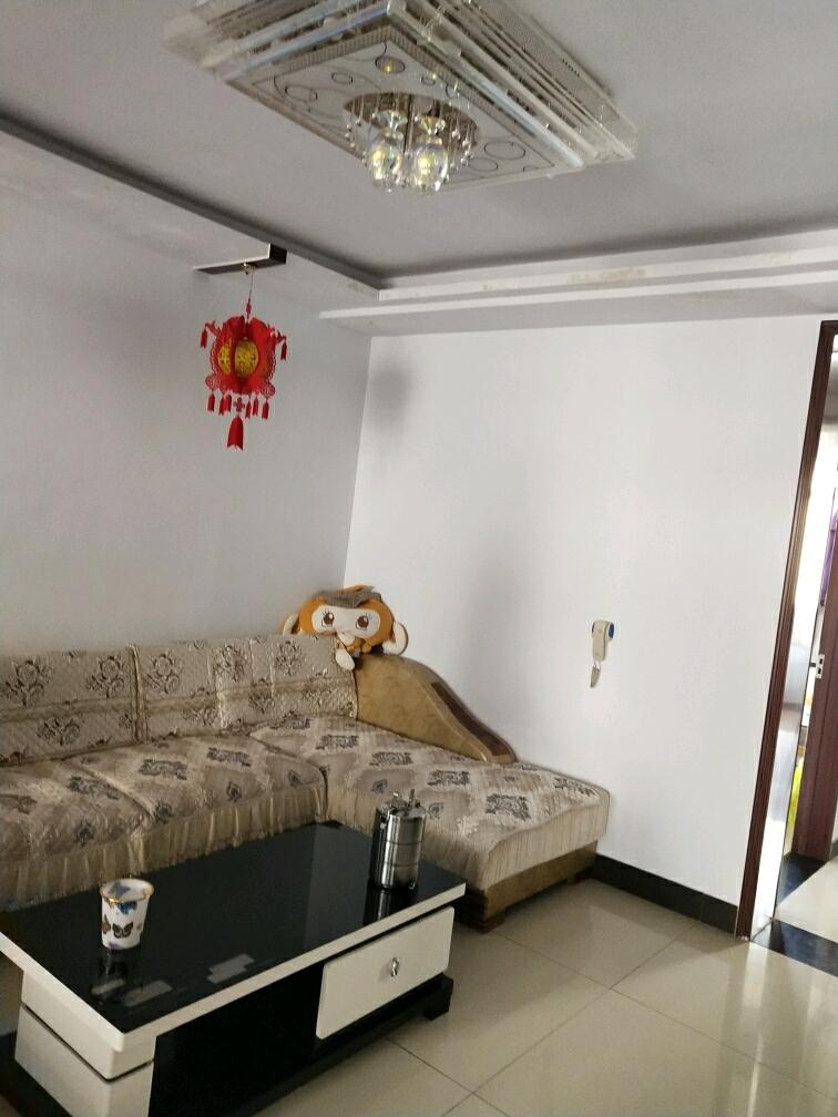 金世纪家园3室 2厅 1卫68万元