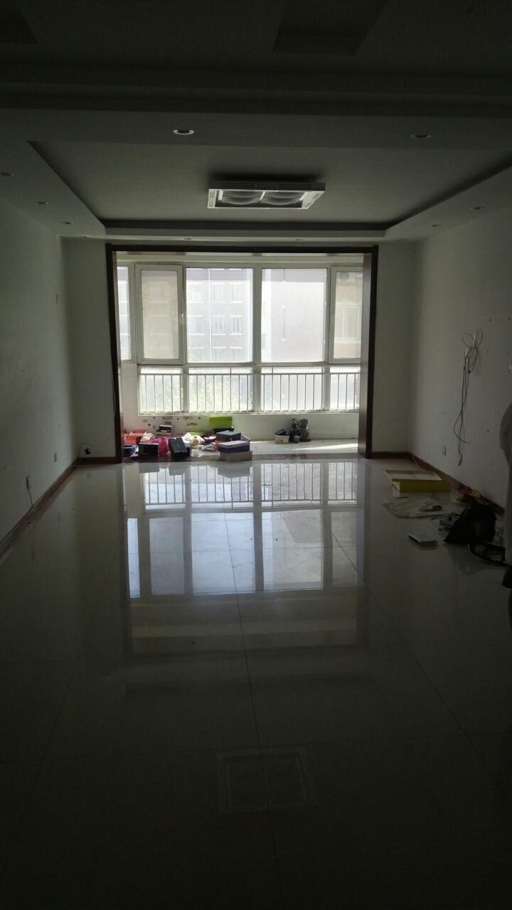 丽景家园3室 2厅 1卫84万元