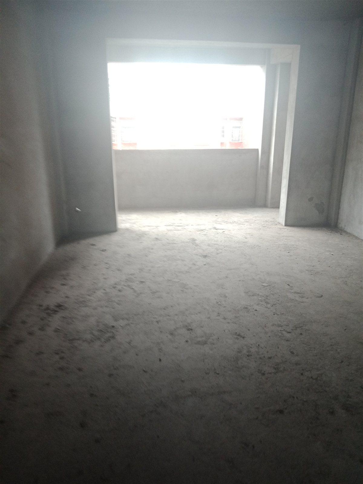 水榭花都4室 2厅 2卫88万元