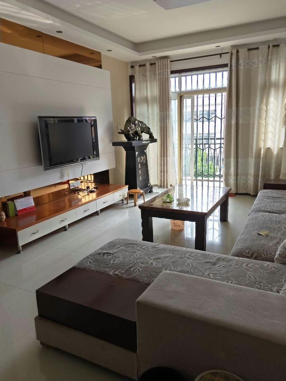锦泽苑3室2厅2卫90万元