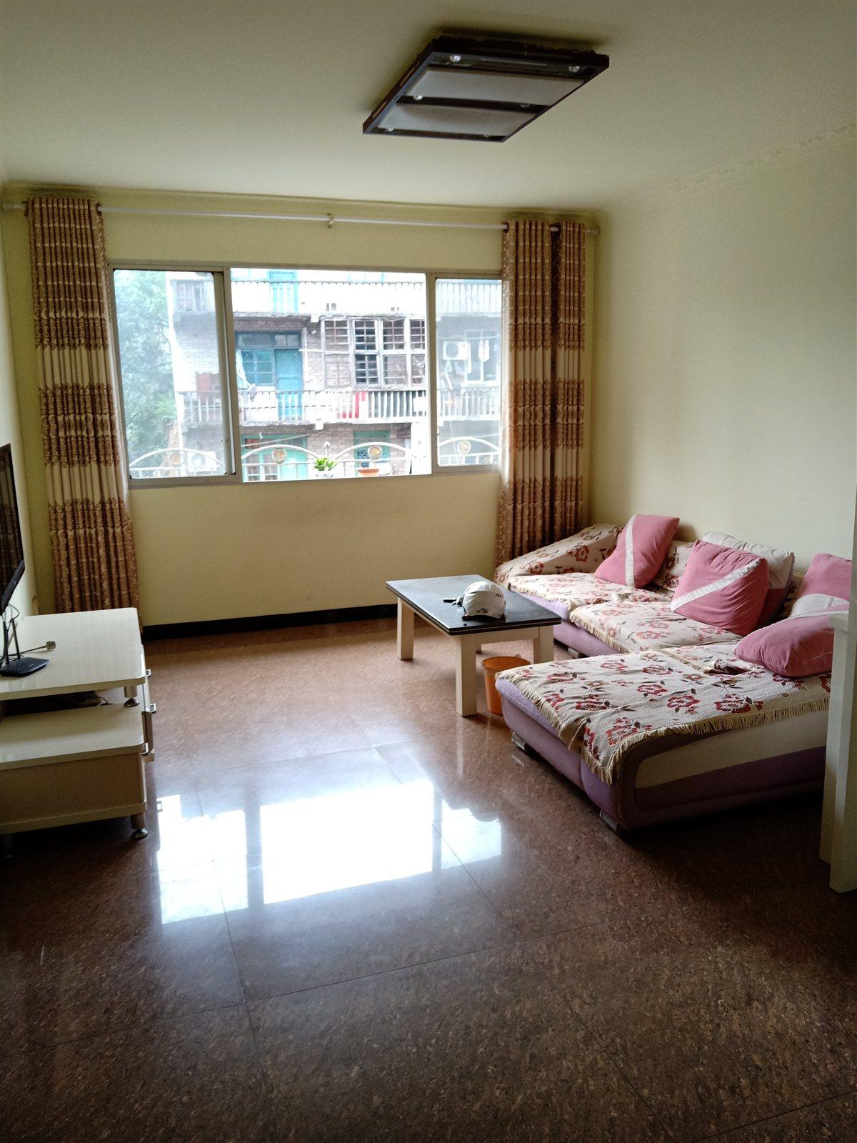 广东街3室 2厅 1卫47.8万元